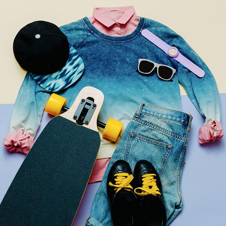 set-urban-style-fashion-denim-clothing-and-PTK7D37